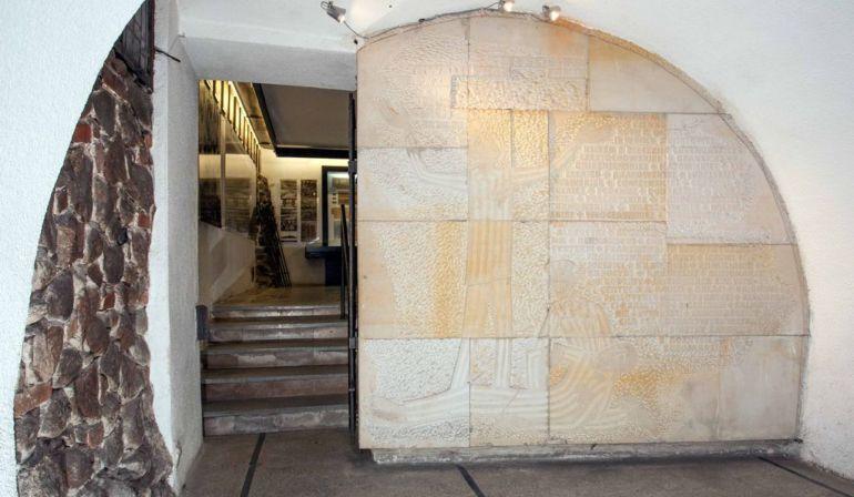 Kaplica Męczeństwa i Wdzięczności oraz muzealna sala pamięci w podziemiach bazyliki św. Józefa w Kaliszu